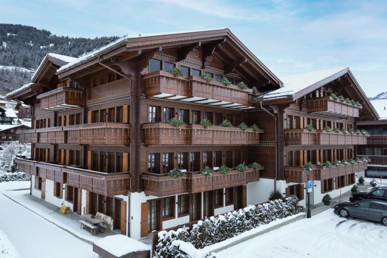 Brand new apartment on the second floor in the heart of Saanen