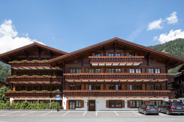 Brand new apartment on the ground floor in the heart of Saanen